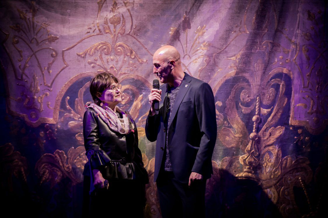 Margarita Ledo, co director do festival, Antón Lopo, no 'Atravesei a cerca'