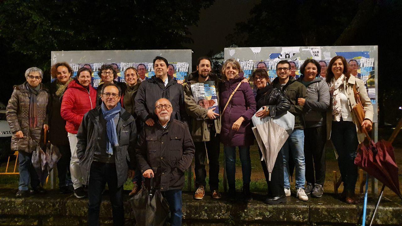 26M - Pegada de carteis da Marea de Pontevedra