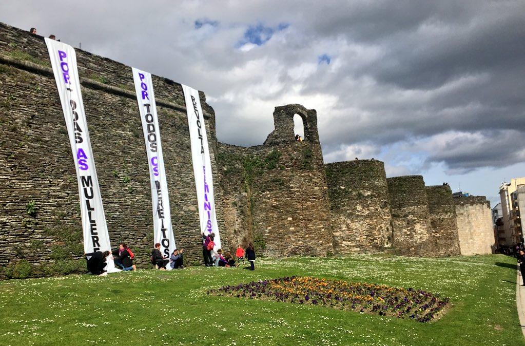 A Muralla de Lugo, ao paso da manifestación