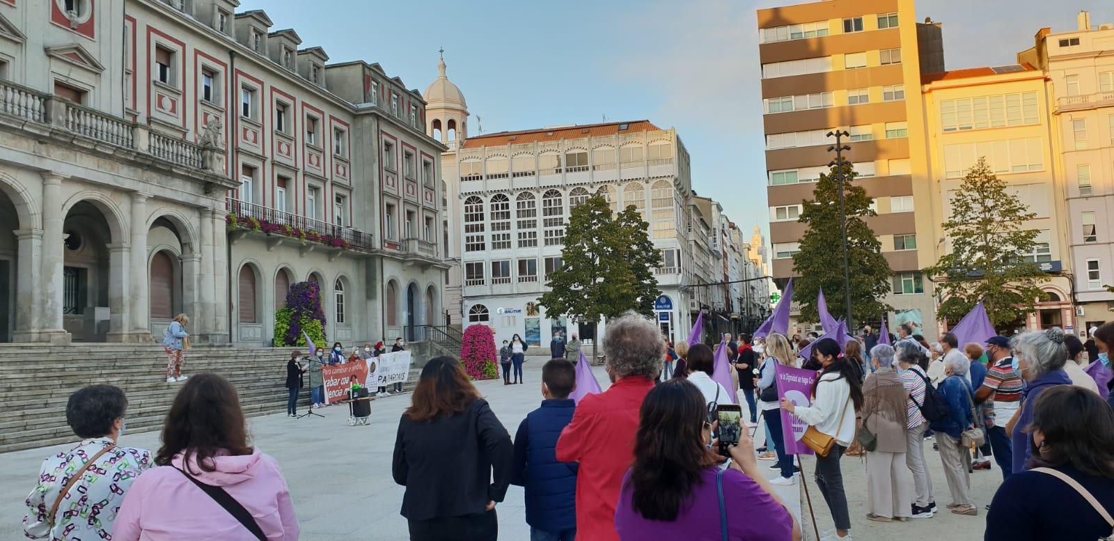 Concentración en Ferrol polo asasinato machista da Coruña (Imaxes: @MMMGaliza)