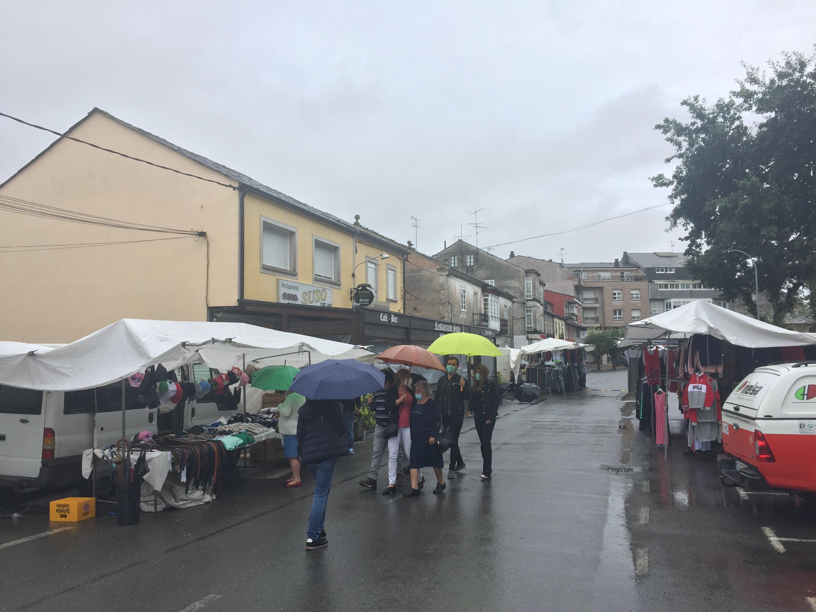 Feira de Castro Ribeiras de Lea durante o brote da Covid-19 (12 agosto 2020)