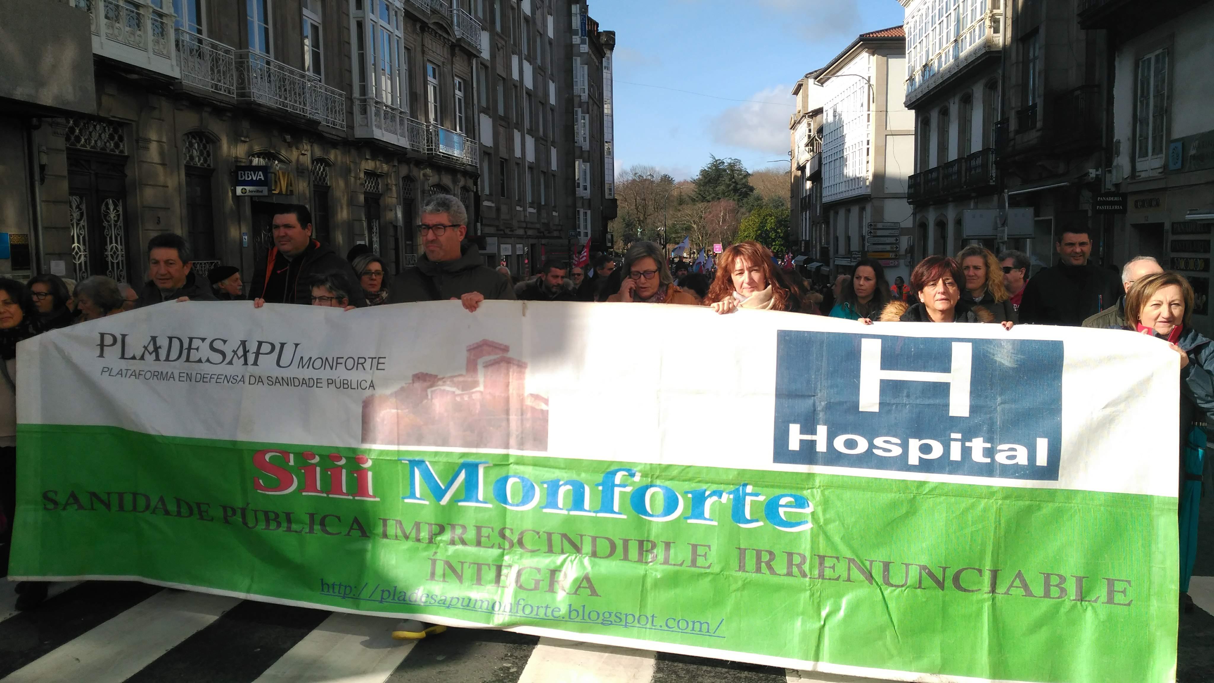 Comitiva chegada dende Monforte á manifestación a prol da sanidade pública