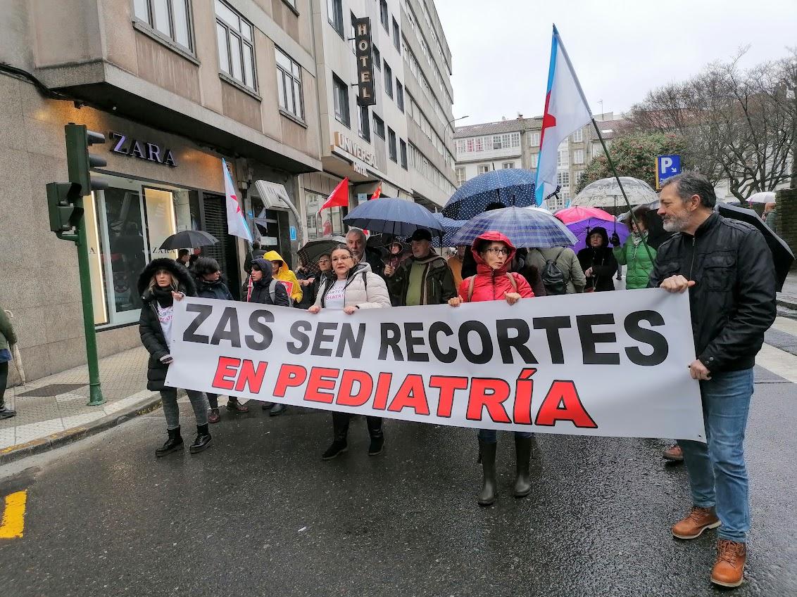Comitiva de Zas na manifestación a prol da sanidade pública, o 9 de febreiro de 2020