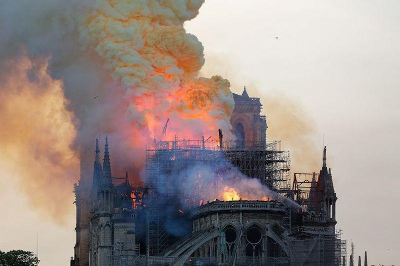 Detalle do incendio de Notre-Dame o 15 de abril de 2019