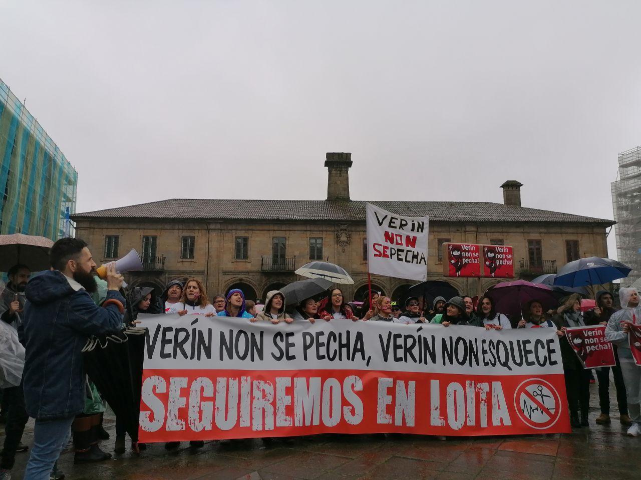 Veciñanza de Verín na manifestación pola sanidade pública en Santiago