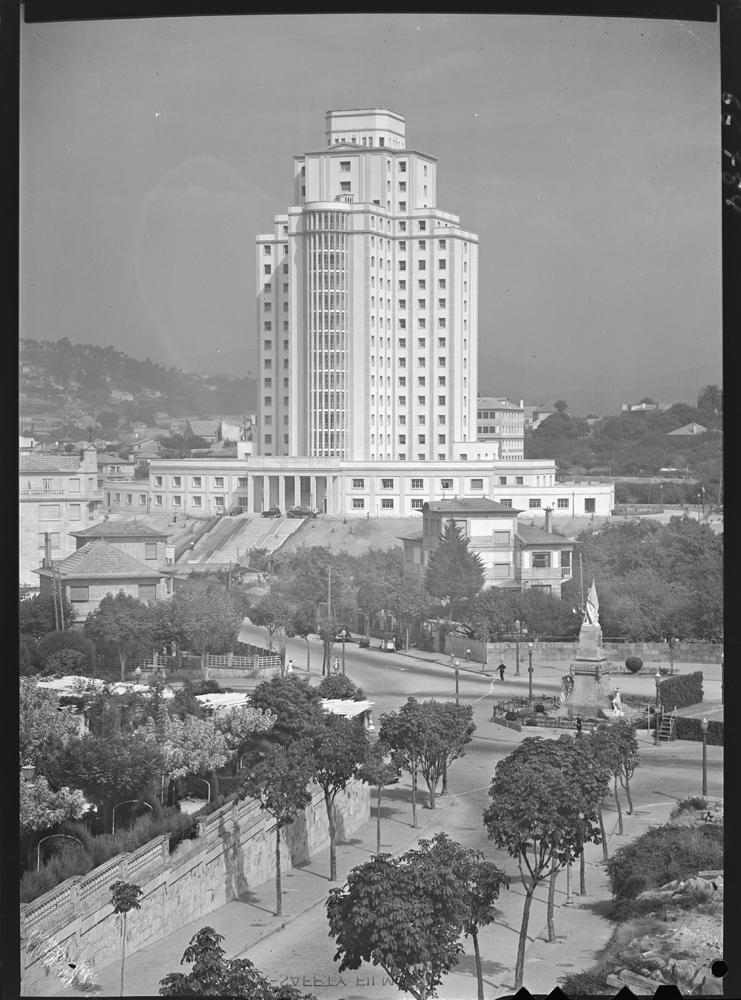 Hospital Xeral de Vigo. 1955. Arquivo Pando