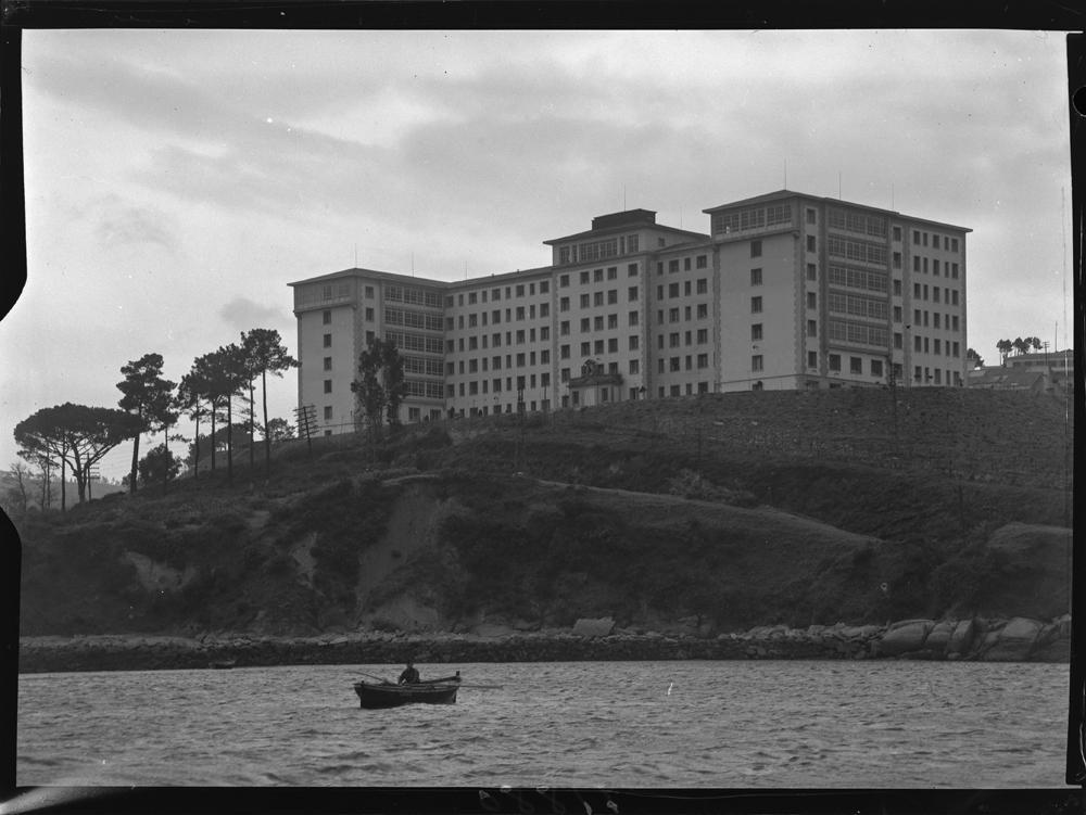 Hospital da Coruña. 1957. Arquivo Pando