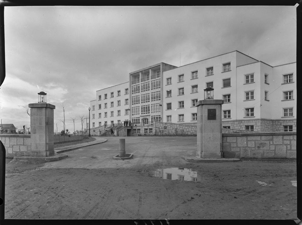Residencia sanitaria de Lugo. 1957. Arquivo Pando