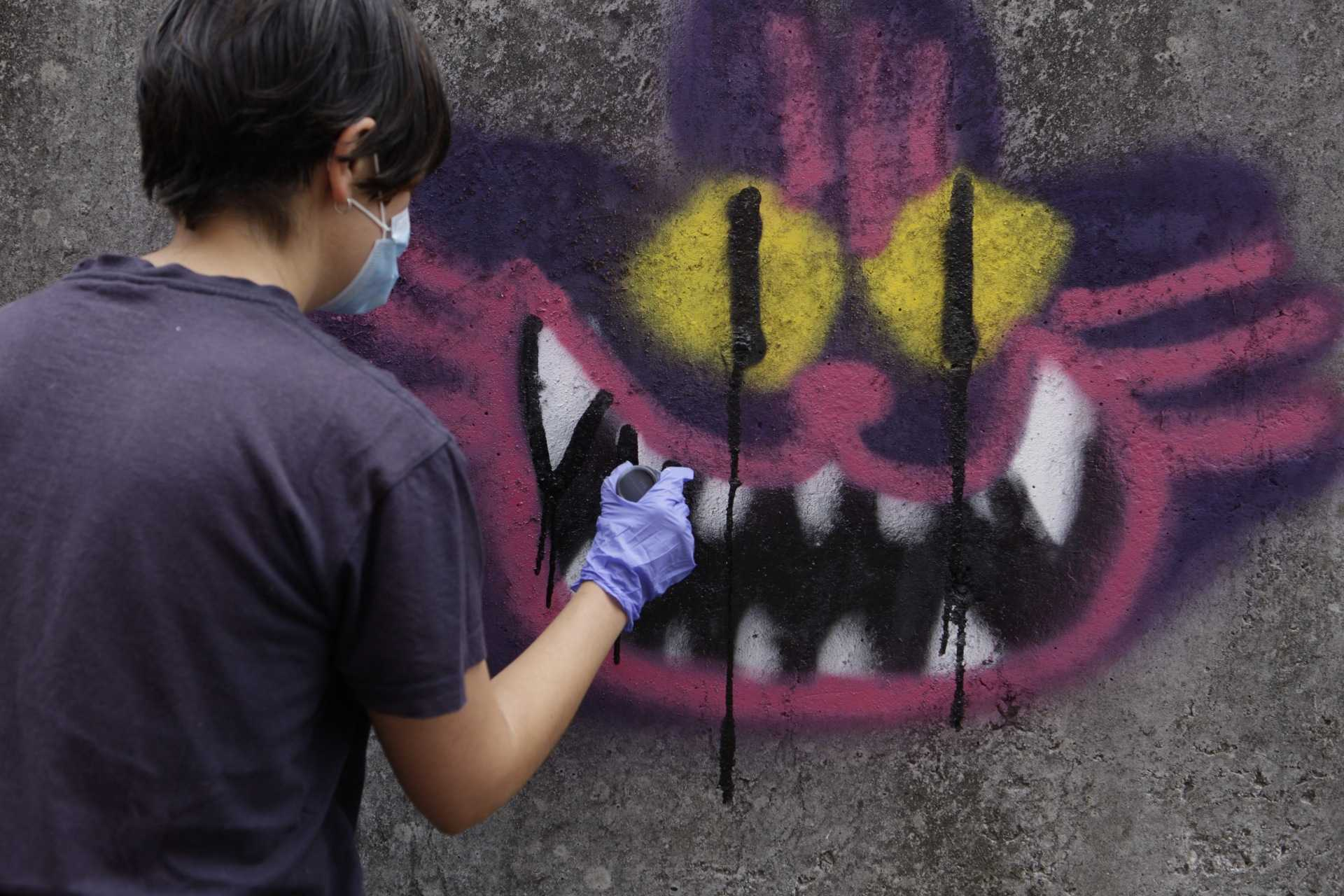 Participantes no obradoiro de Lupita Hard sobre graffiti no Delas Fest 2020