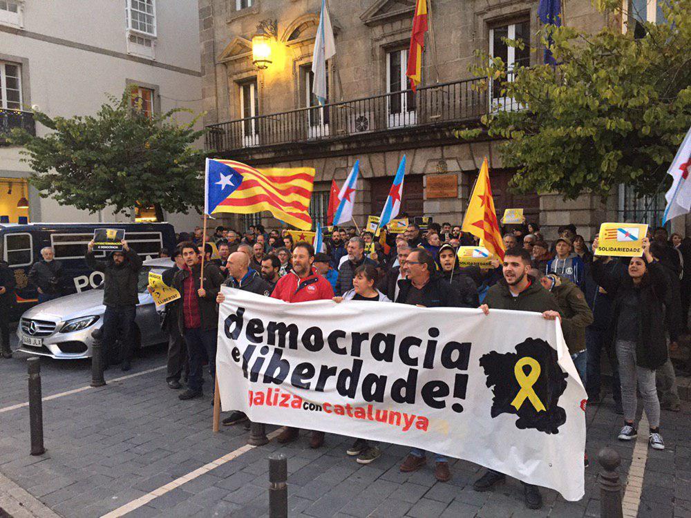 Mobilización de Galiza con Catalunya na Coruña CC BY-SA Praza Pública
