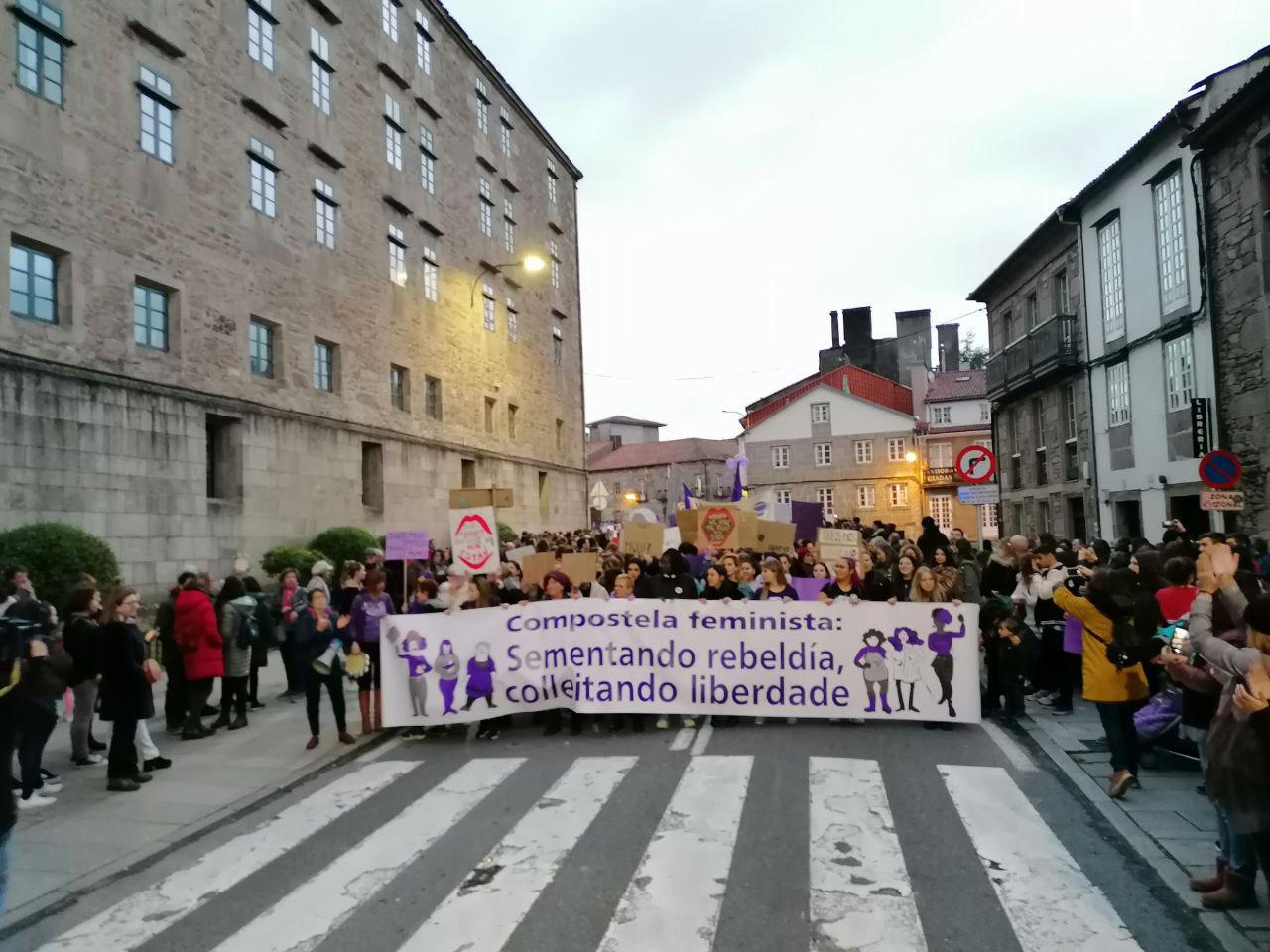 Manifestación na tarde do 8M de 2020 en Santiago