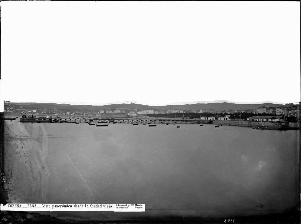 O porto da Coruña, a finais do século XIX, nunha fotografía de Jean Laurent
