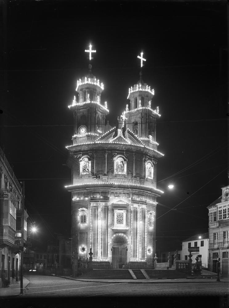 A igrexa da Peregrina, iluminada. Arquivo de Otto Wunderlich