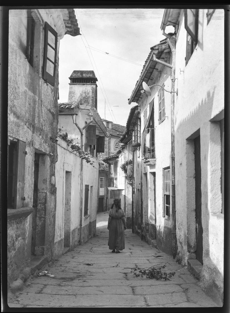 Unha rúa en Tui. Arquivo de Otto Wunderlich