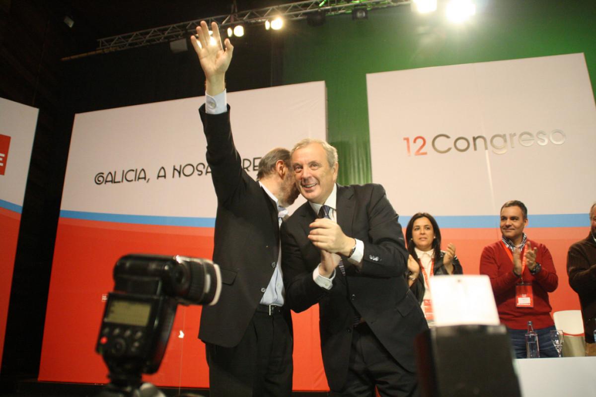 Vázquez escoita a Rubalcaba ante o Congreso do PSdeG