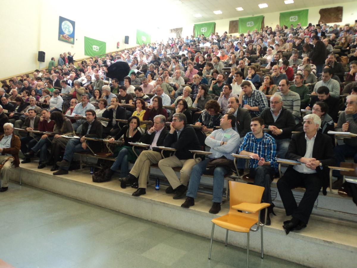 O auditorio da Facultade de Económicas da USC acolleu o Congreso de Máis Galiza