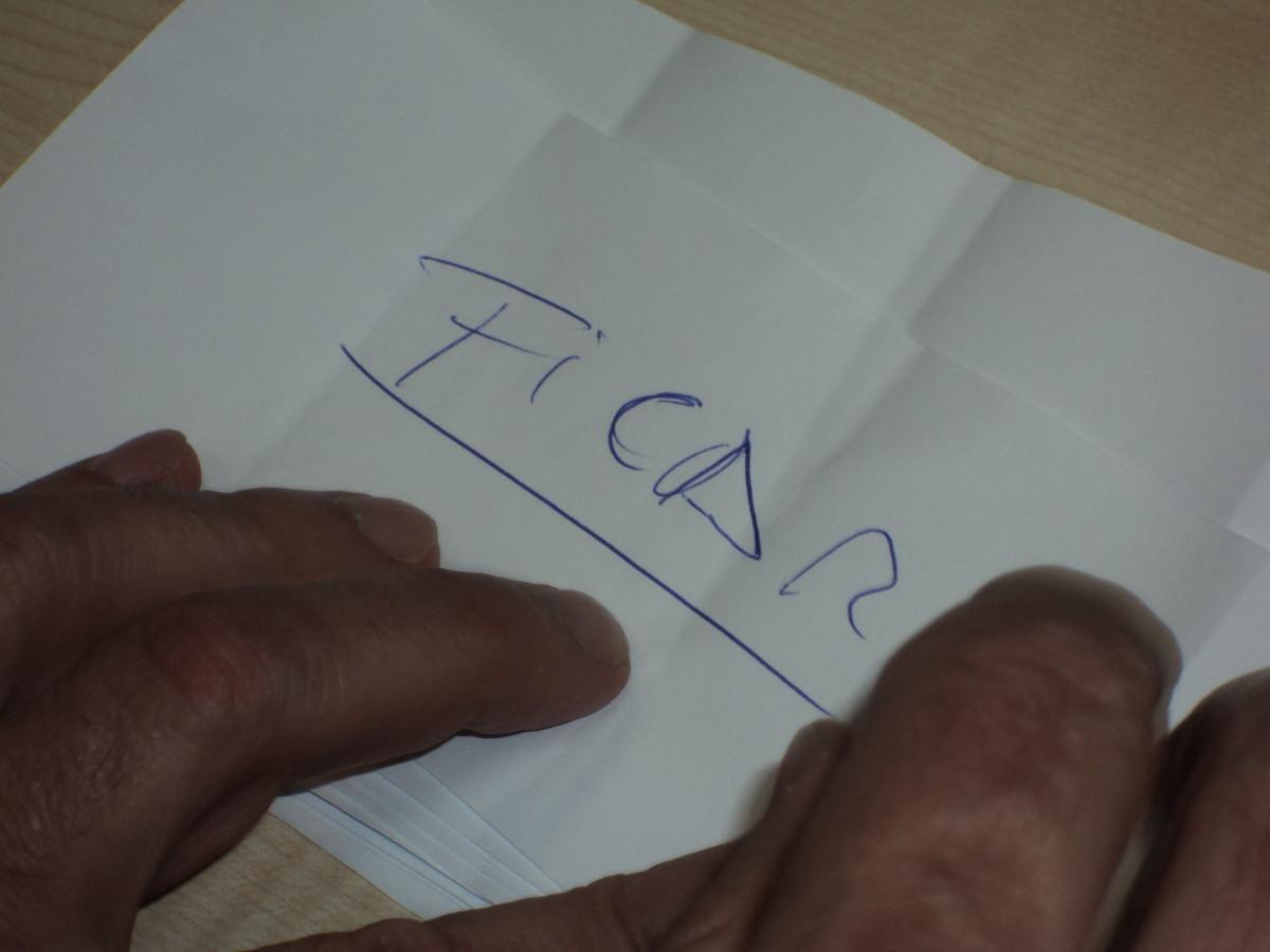 Un militante de +G vota por ficar no BNG