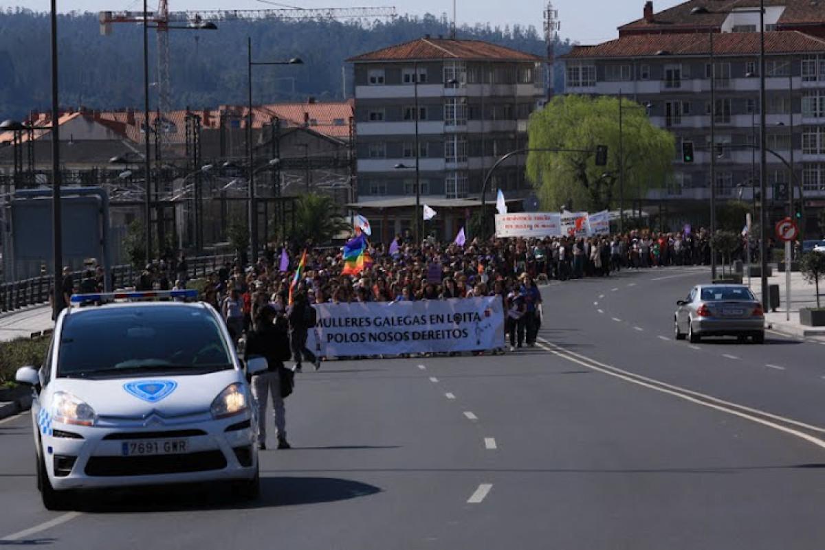 A Manifestación 'Mulleres galegas en loita polos nosos dereitos' partiu da Estación de Tren de Santiago de Compostela