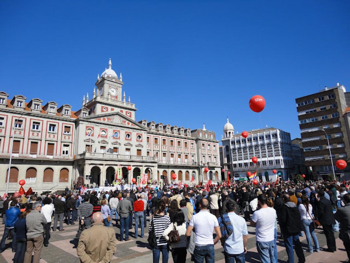 A manifestación de CC.OO. e UGT en Ferrol