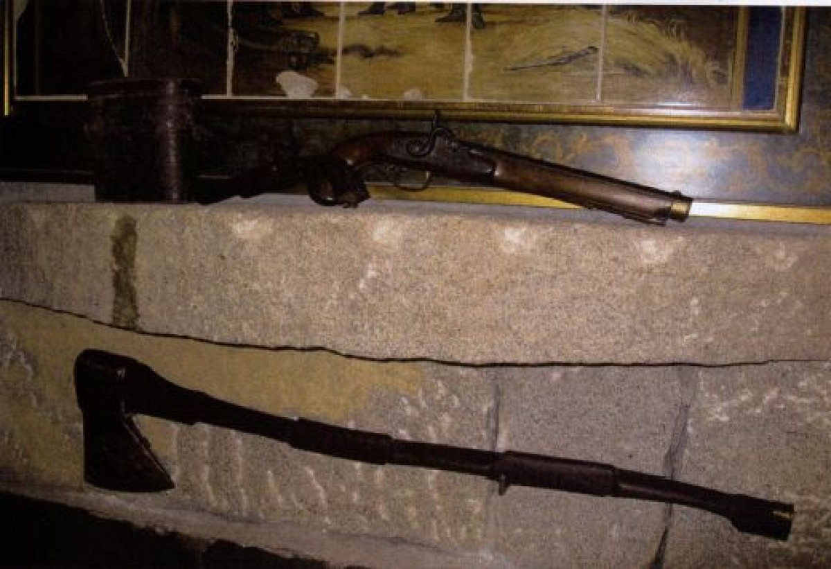 Pistola do século XIX e machada, 4.500 €