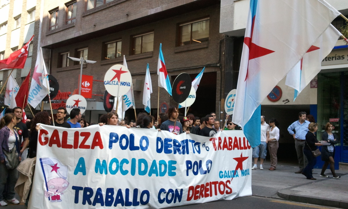 Comitiva de Galiza Nova en Santiago