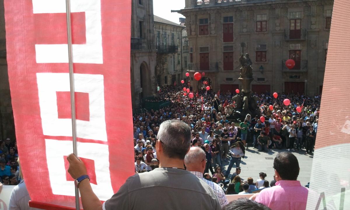 Faixa de CCOO nunha manifestación en Compostela