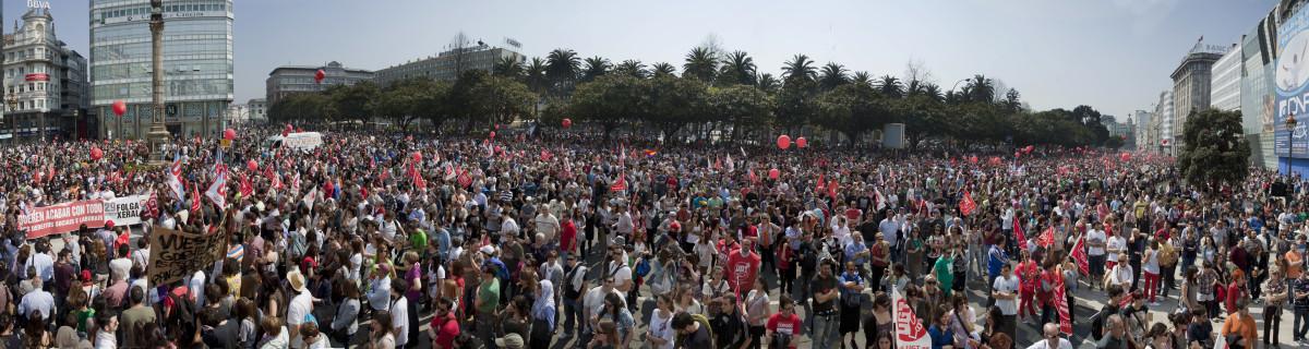 Imaxe panorámica da manifestación de CCOO e UGT na Coruña