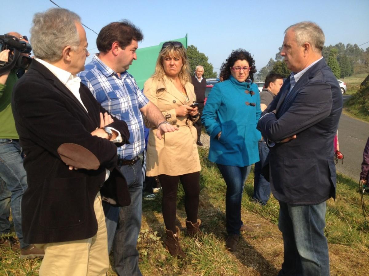 Pachi Vázquez e deputados do PSdeG, nas Fragas