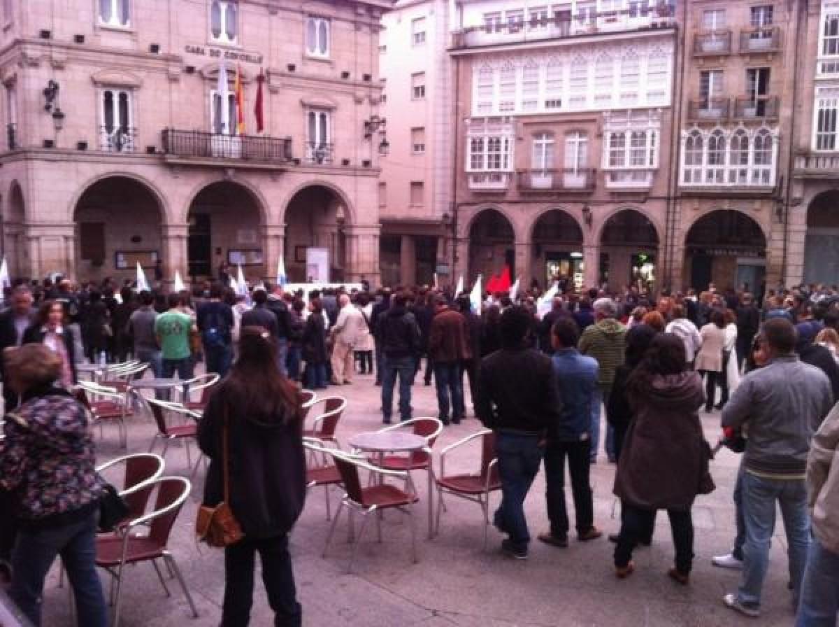 En Ourense gardouse un minuto de silencio polas Fragas.