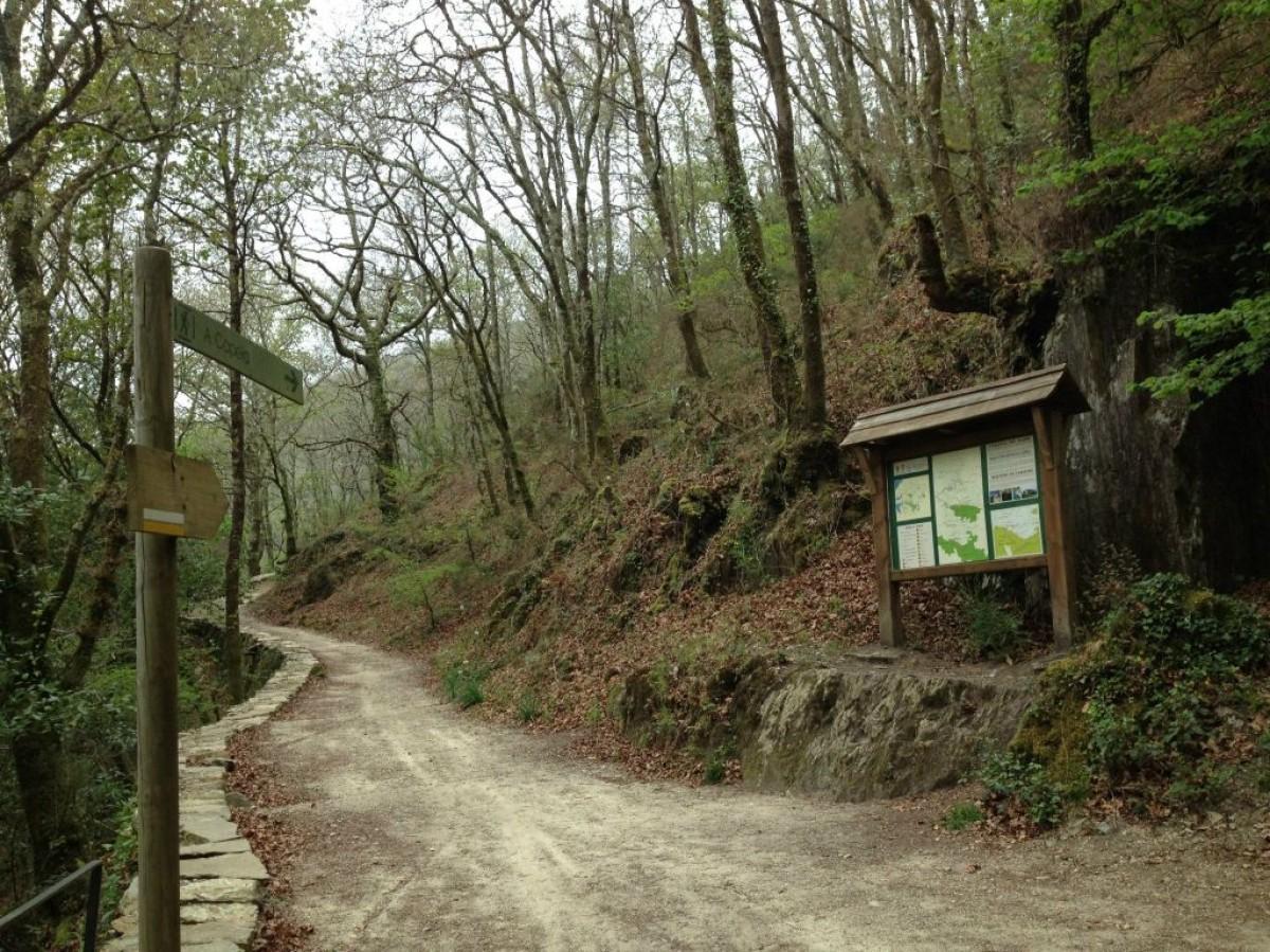 Sinalización do parque natural. A Xunta di que arderon 300 das hectáreas máis sensibles.