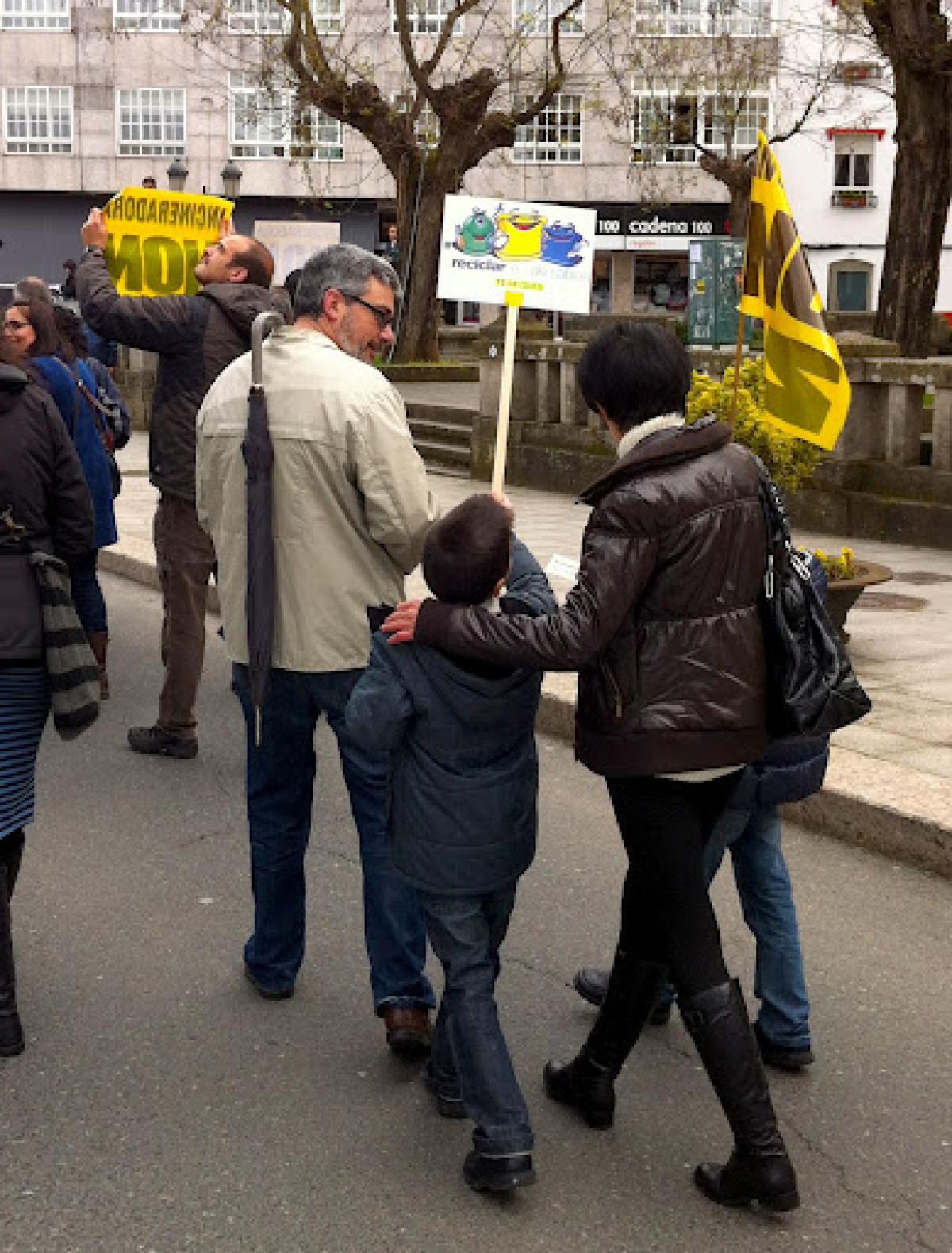 Unha familia, na manifestación