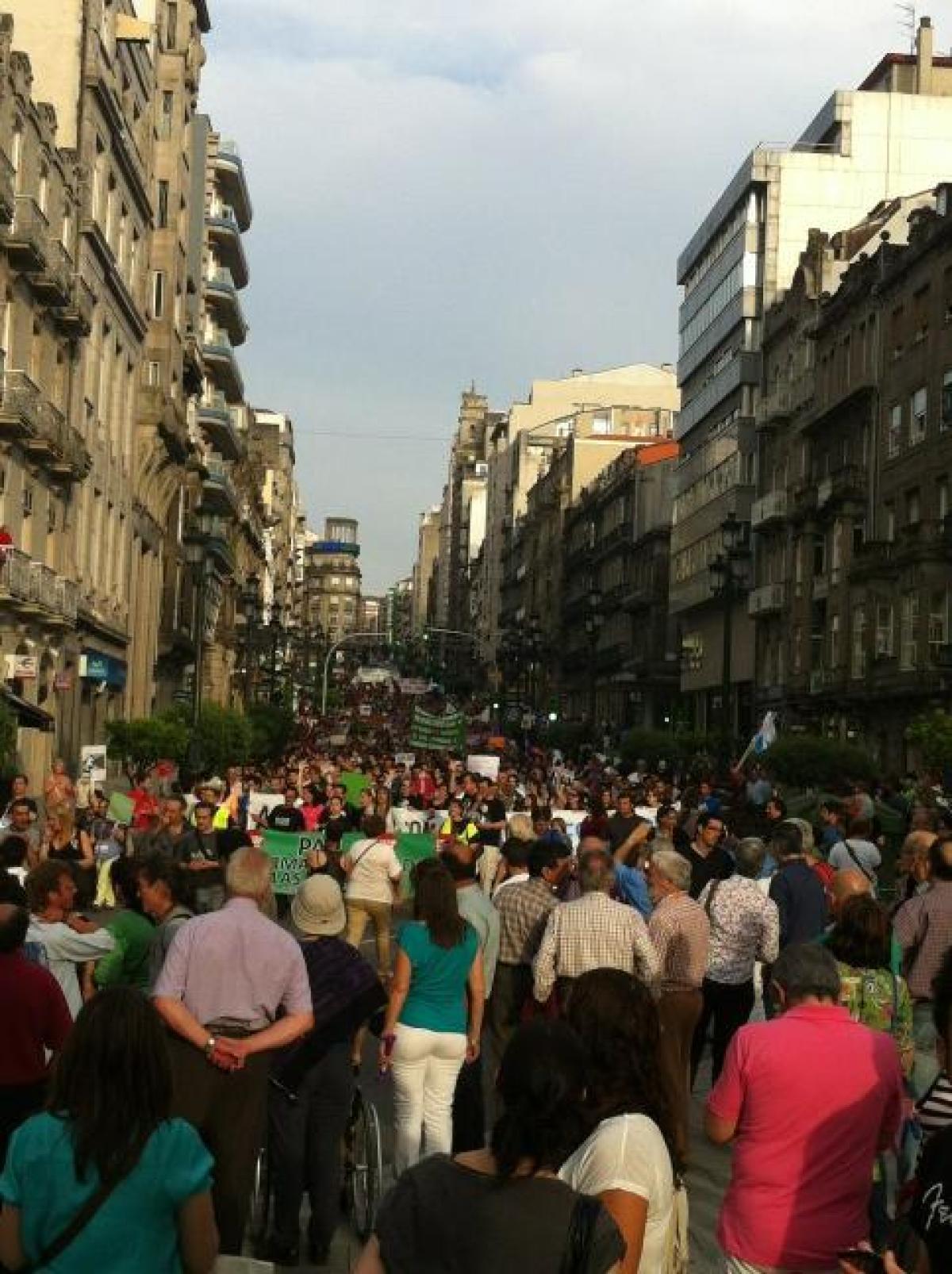 Milleiros de persoas no #12M de Vigo