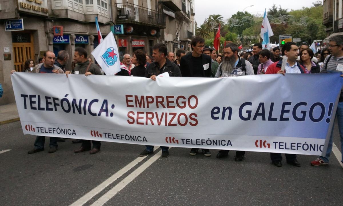 Galego, tamén por teléfono