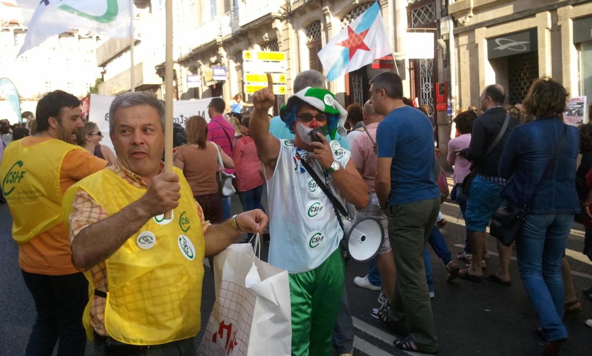Caracterizado para a protesta en Compostela