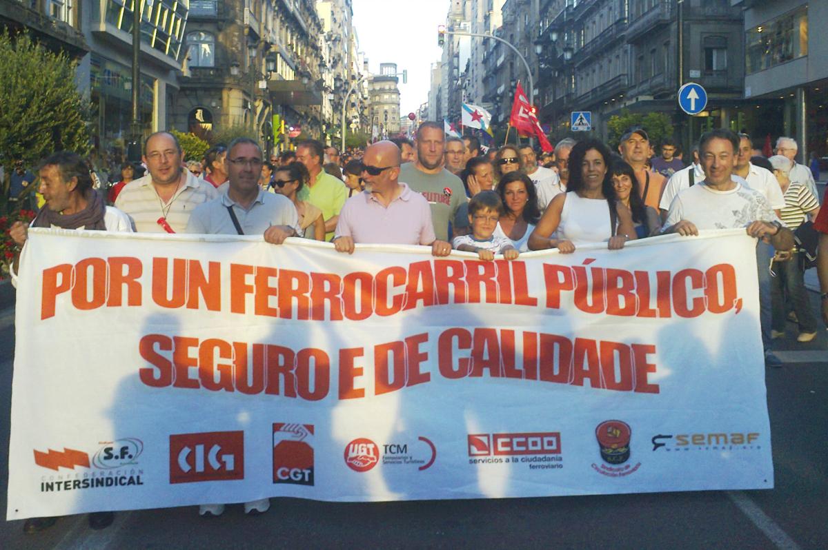 Faixa na manifestación de Vigo