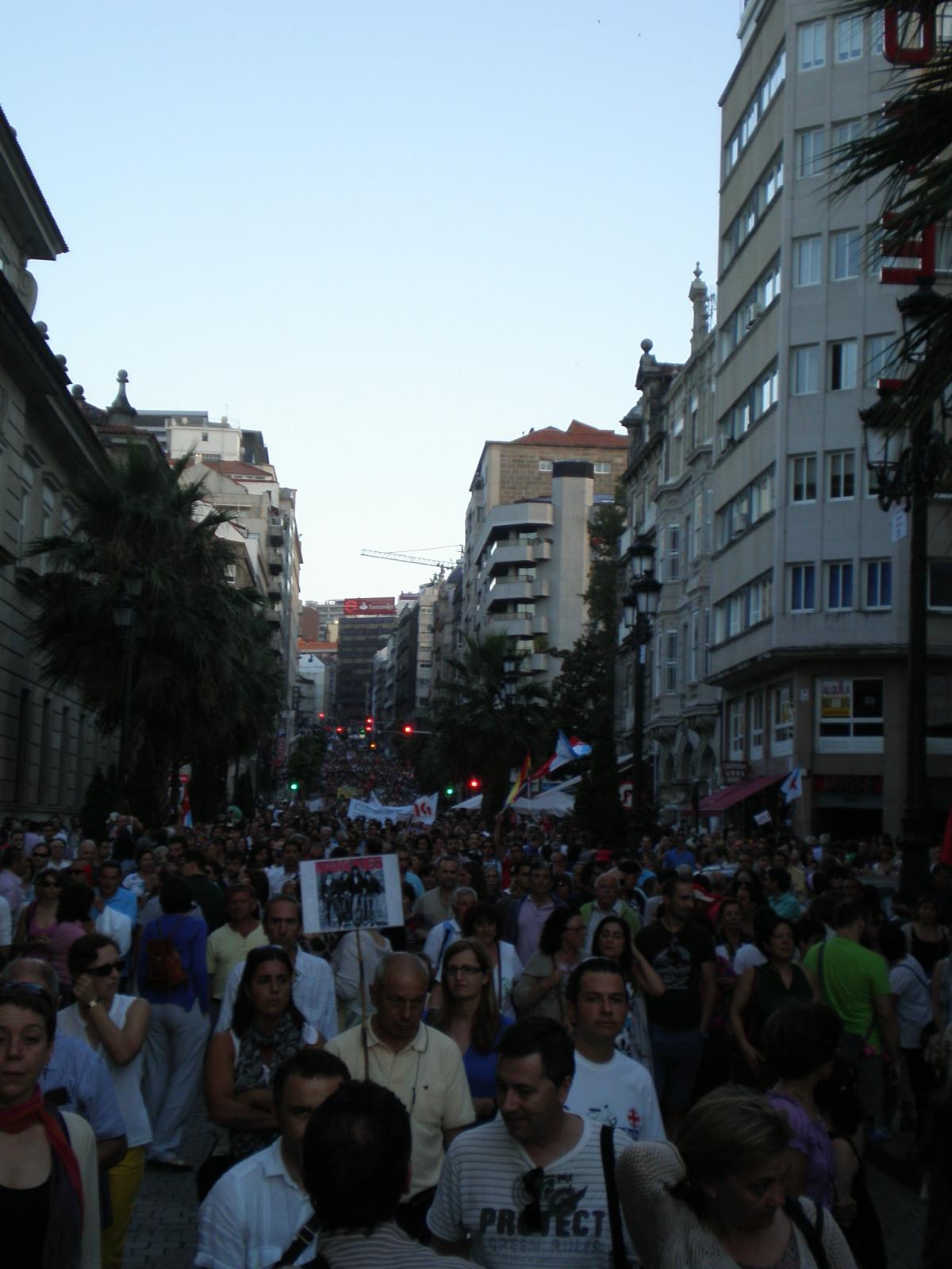 Rúas a rebordar en Vigo