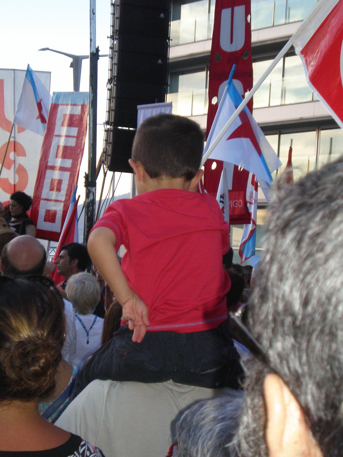 Diversidade de idades na marcha de Vigo
