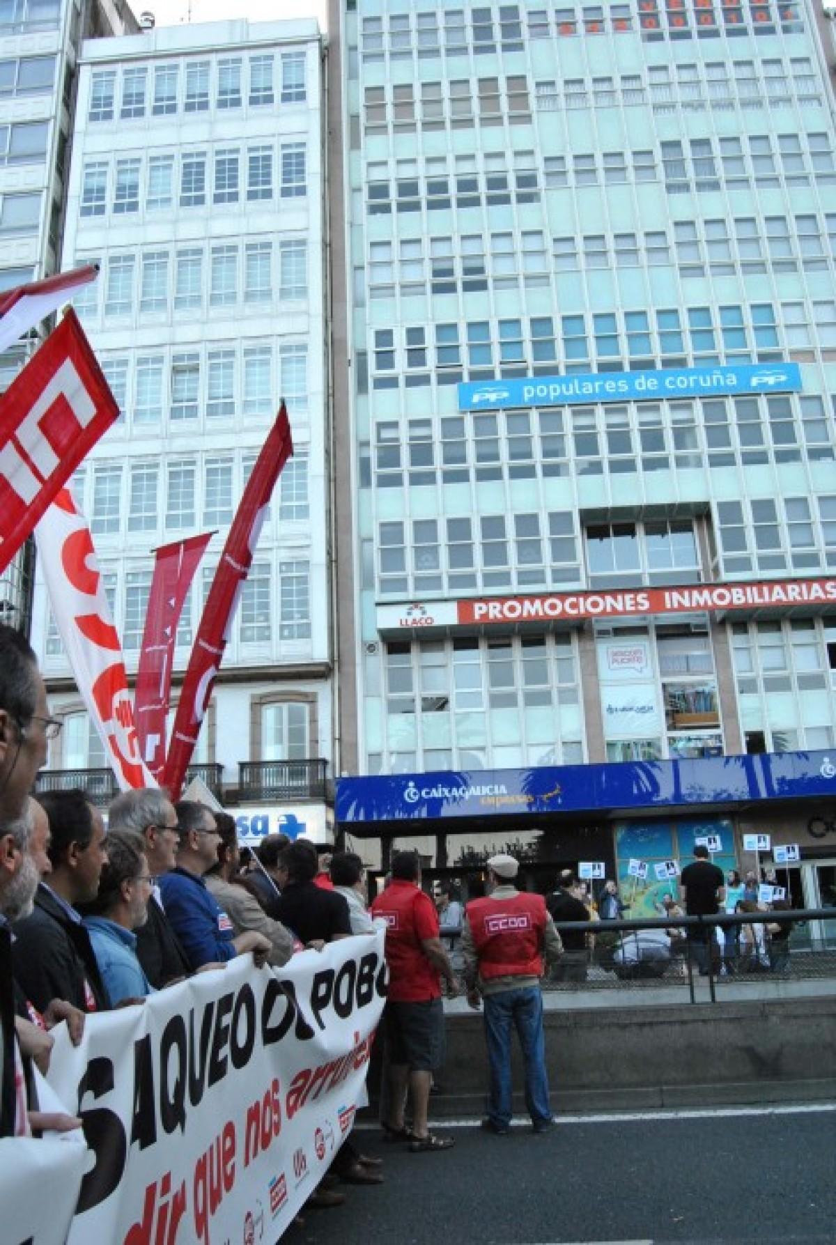 Ante a sede do PP, na Coruña
