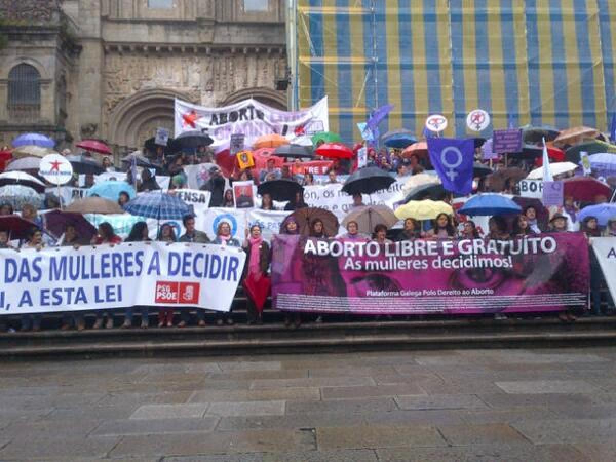 Chegada da manifestación a Praterias