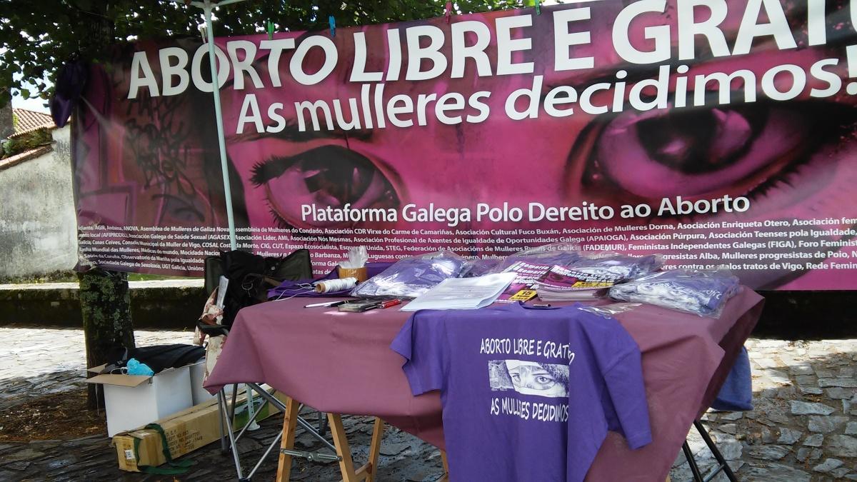 Stand da Plataforma polo Dereito ao Aborto