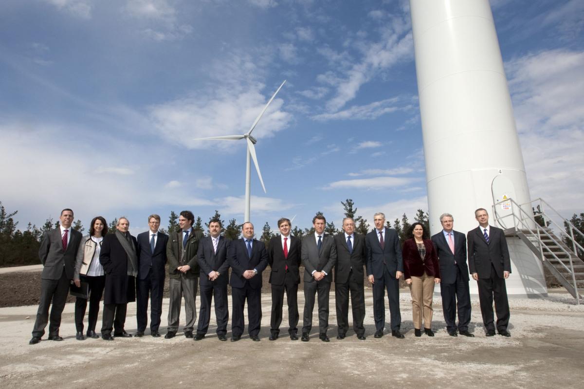 Membros do Goberno de Feijóo, nun parque eólico