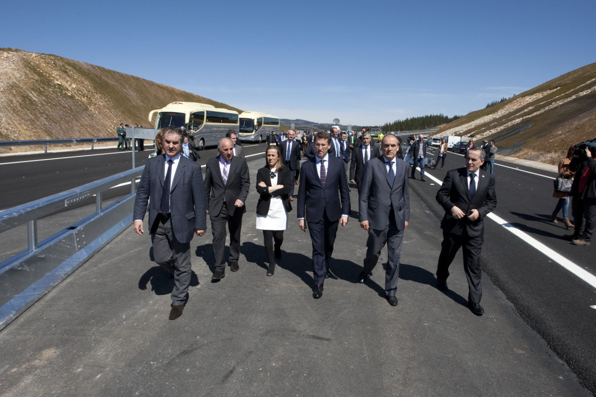 30 de marzo. Inauguración de 23 quilómetros da autovía Santiago-Lugo, entre Nadela e Guntín