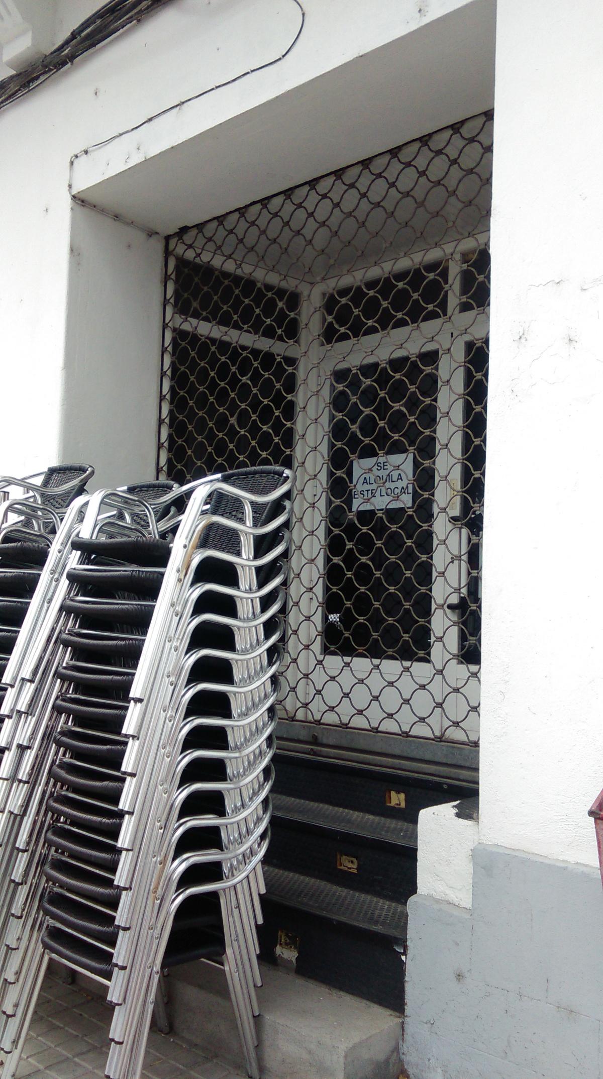 Antiga sala de xogos da Rúa, en alugueiro e centro electoral en época de eleccións