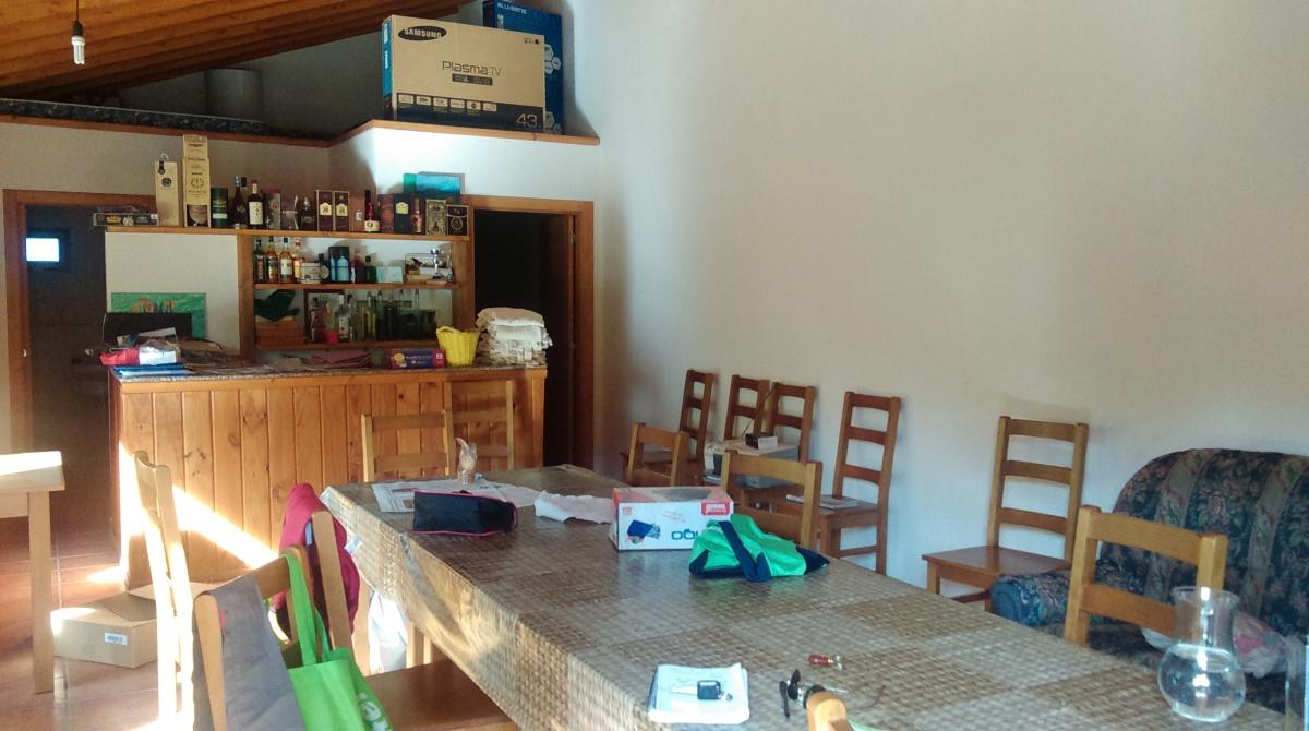 Interior dun baixo dun complexo turístico de Soldón (Lugo), propiedade de D. Luis V. Arias