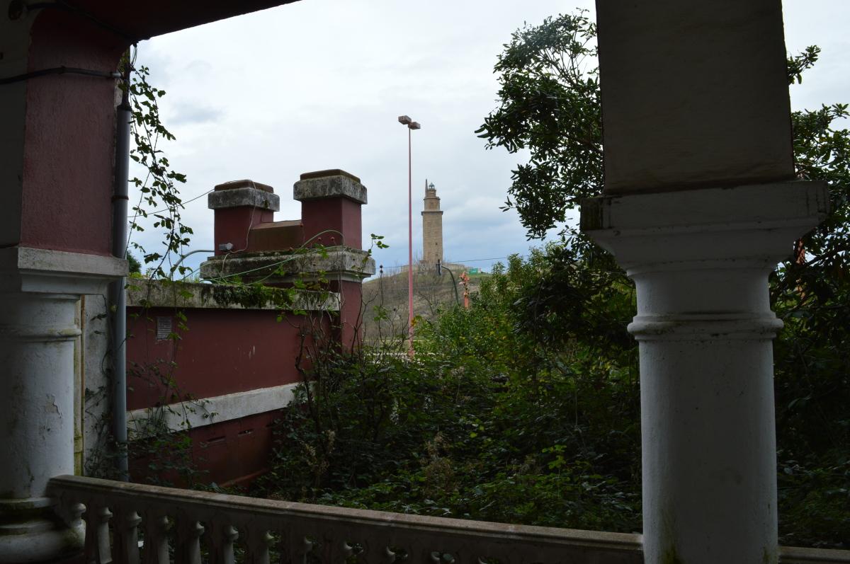 A Torre de Hércules, dende o cárcere
