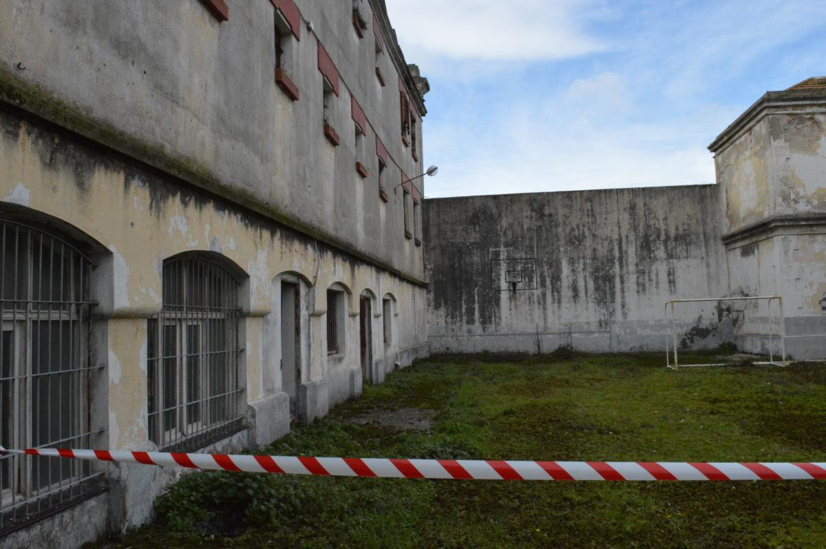 Un dos patios do cárcere