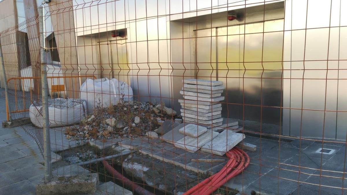 Restos dos últimos traballos realizados no centro