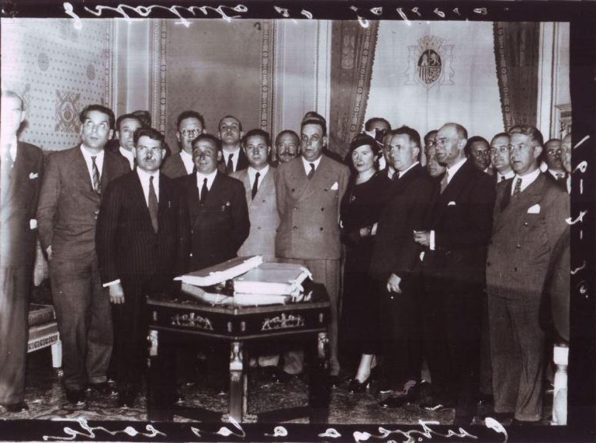 Representantes do ente provincial durante a República, na delegación que entregou o Estatuto do 36 nas Cortes