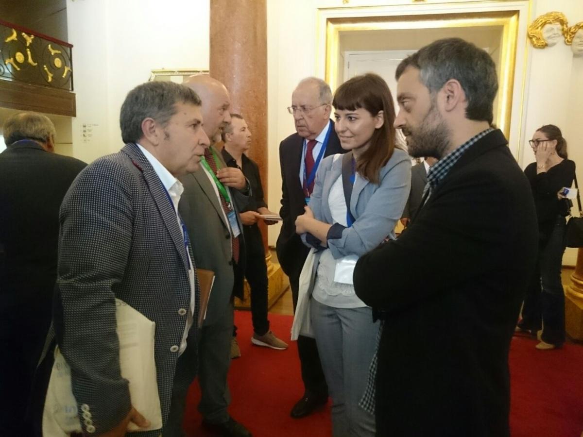 Os alcaldes da Coruña e Ribeira, no Congreso do Eixo