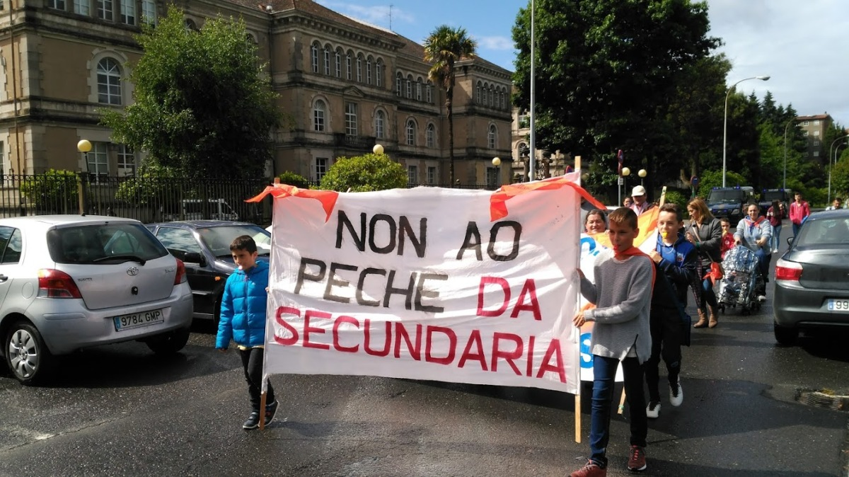 Alumnado participante na protesta